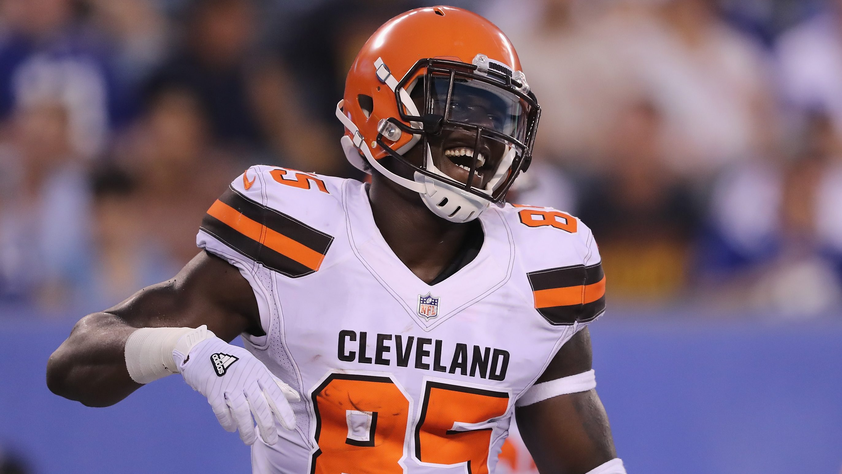 David Njoku Calls Out Browns Fans With Strong Message