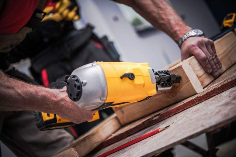 Best Cordless Nail Guns