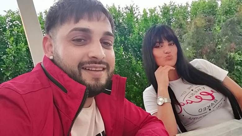Romanian singer Tavy Pustiu and his wife were hit by a train over the weekend. Pustiu was killed and his wife is hospitalized in critical condition.