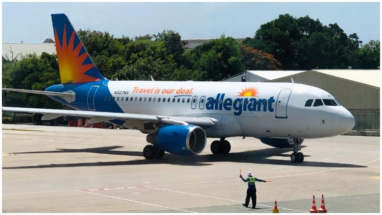 Allegiant kicks man off plane