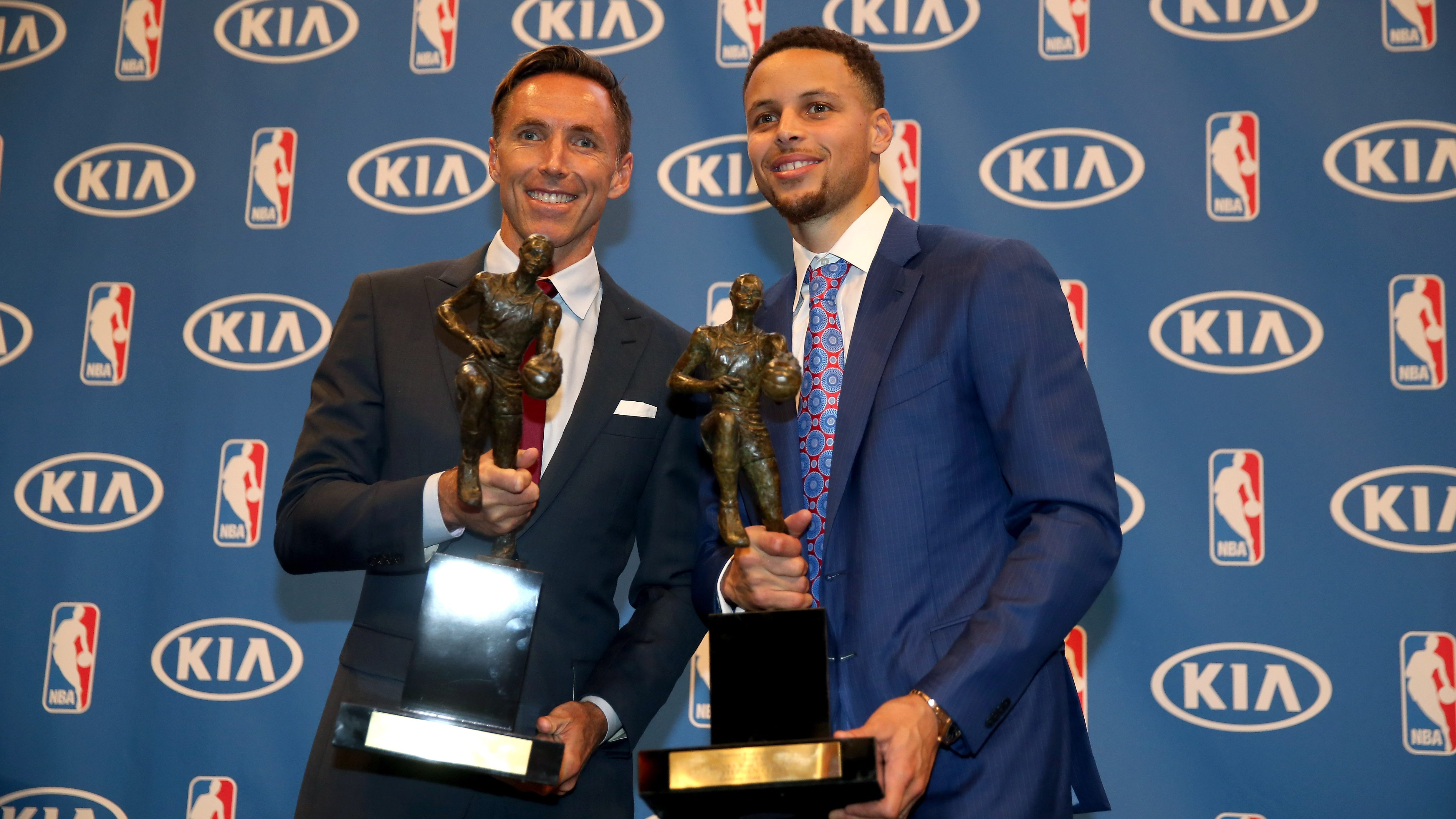 Steve Nash, left, helped Stephen Curry win an MVP award while working with the Warriors.