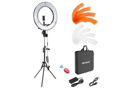 neewer ring light for video streaming