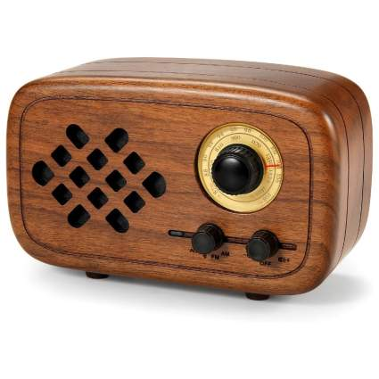 Rerii Handmade Walnut AM/FM Radio with Bluetooth