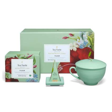tea gift set with cup