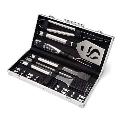 Best Grilling Gifts - Cuisinart BBQ Set