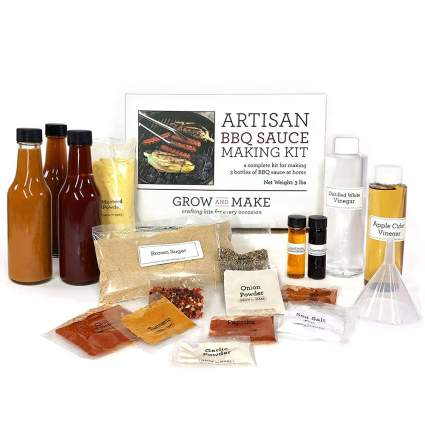 Gifts for Teachers - DIY BBQ Sauce Kit