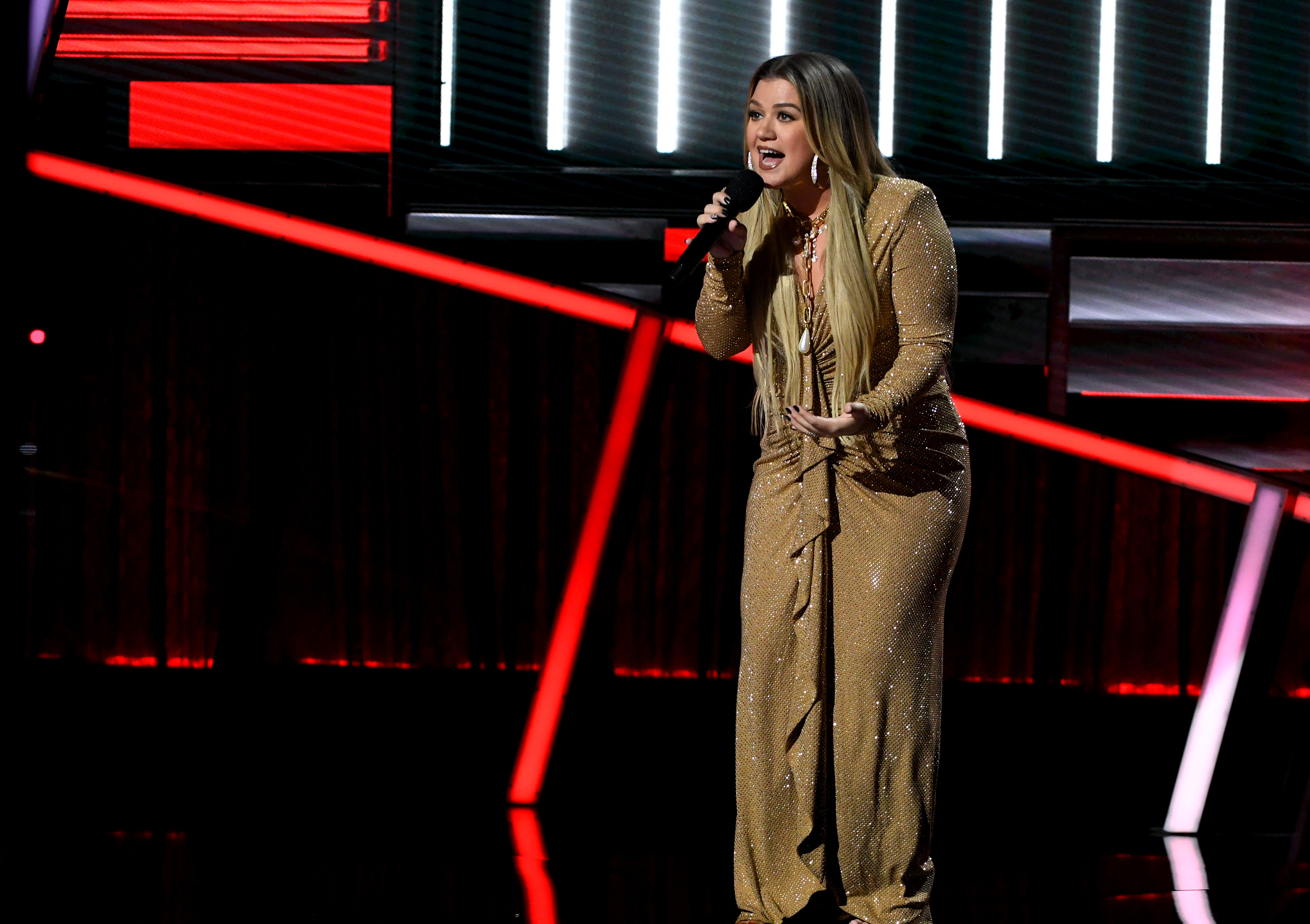A Voice Coach Is One of the Presenters at the 2020 CMT Awards