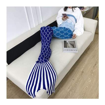 blue ombre mermaid knit blanket