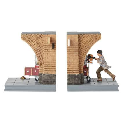 The Wizarding World of Harry Potter Platform 9 3/4 Decorative Bookends