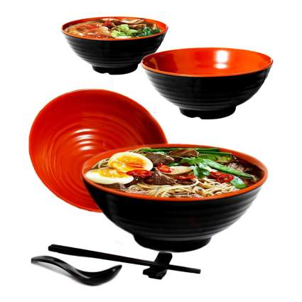 black and red ramen bowl set