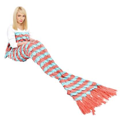 Stripped mermaidi tail blanket with tassels