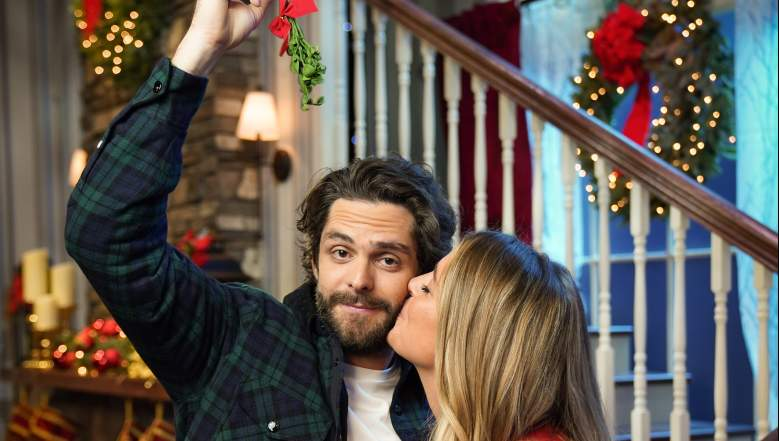Hosted by husband-and-wife team, country superstar Thomas Rhett and New York Times bestselling author Lauren Akins, the 11th annual musical special airs Monday, November 30 at 9 p.m. ET/PT on ABC.
