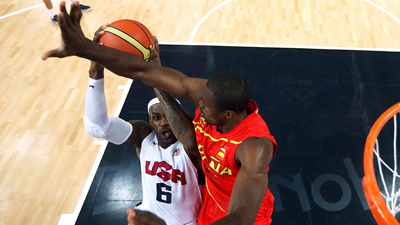 Serge Ibaka Posts Picture Featuring Lakers Lebron James Heavy Com