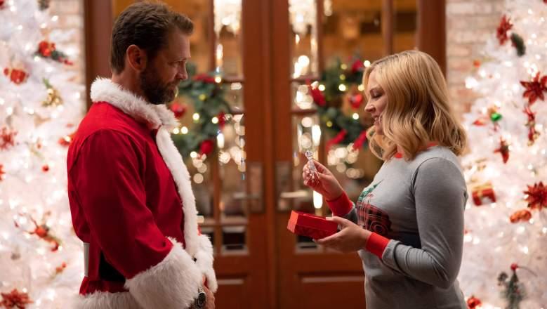 Jason Priestley and Melissa Joan Hart star in Dear Christmas on Lifetime