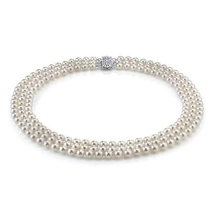 triple strand pearl choker