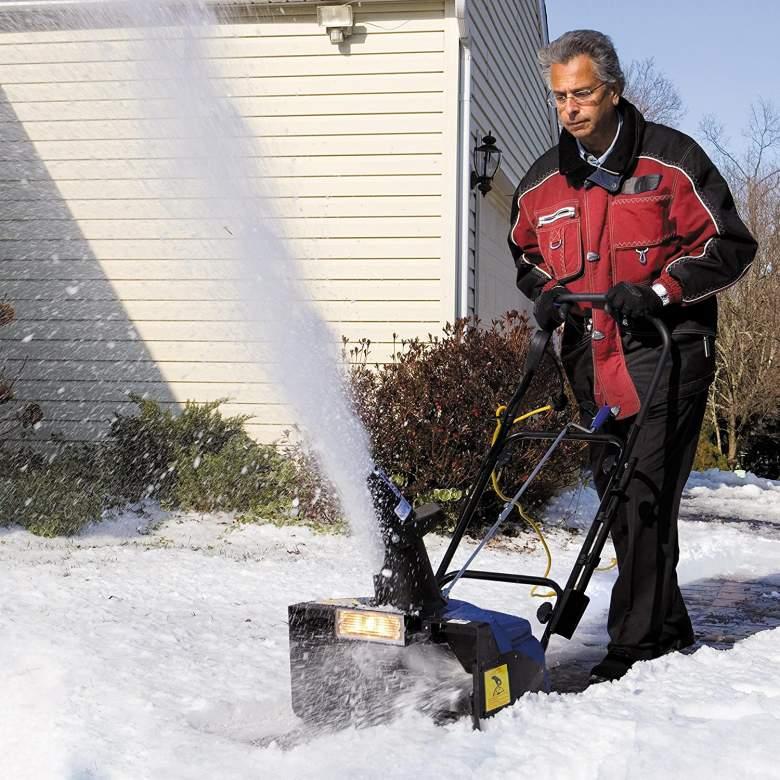 Snow Joe 18-inch snow blower in action.