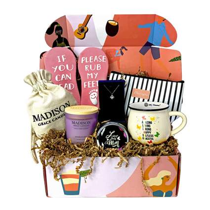 women's box of gifts