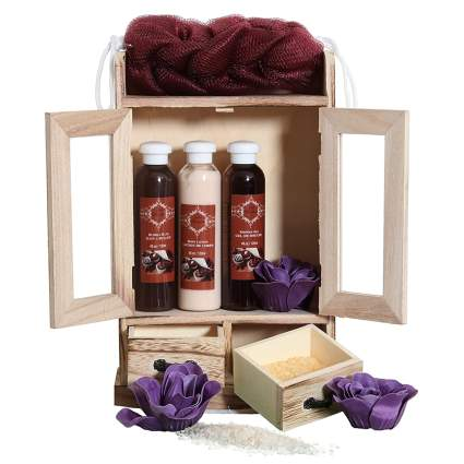 chocolate scented bath gift set