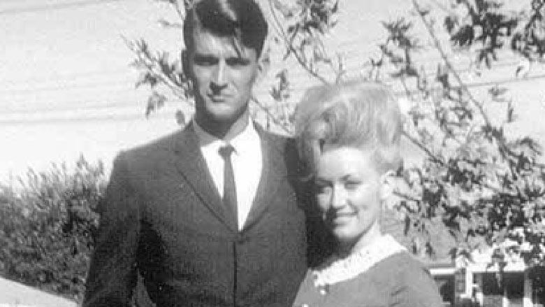 Dolly Parton and husband Carl Dean when they were first married.