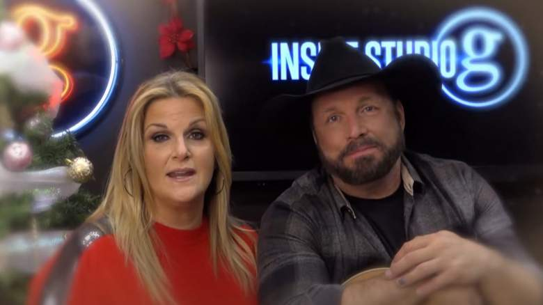 Garth Brooks and Trisha Yearwood perform a holiday special from their home studio
