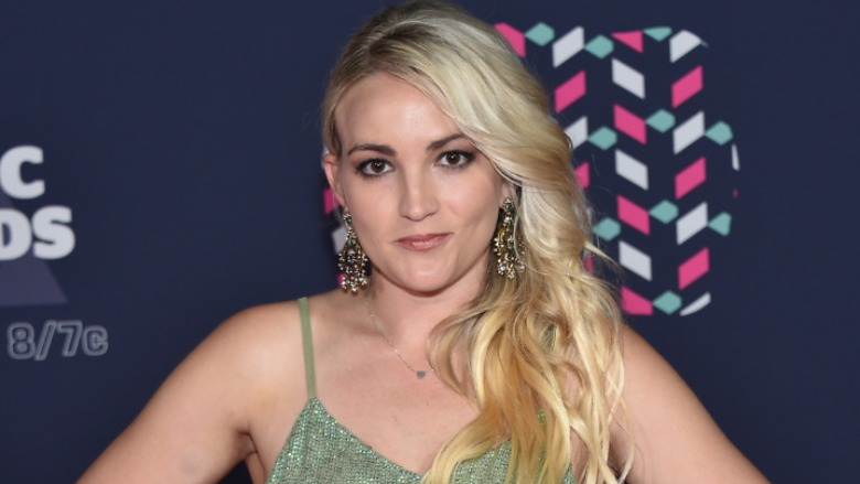 Jamie Lynn Spears attends the 2016 CMT Music awards.