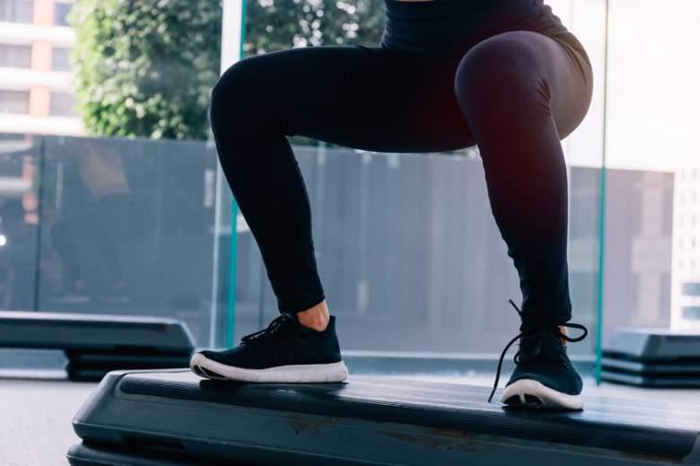 15 Best Squat Proof Leggings You`ll LOVE (2021)