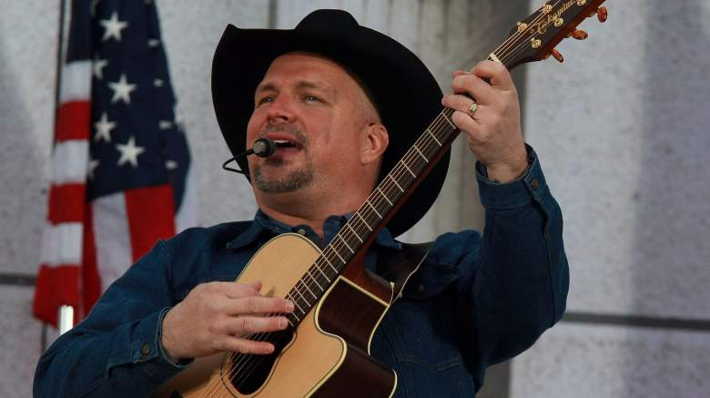 """Garth Brooks peforms during the """"We Are One: The Obama Inaugural Celebration At The Lincoln Memorial"""" on January 18, 2009"""