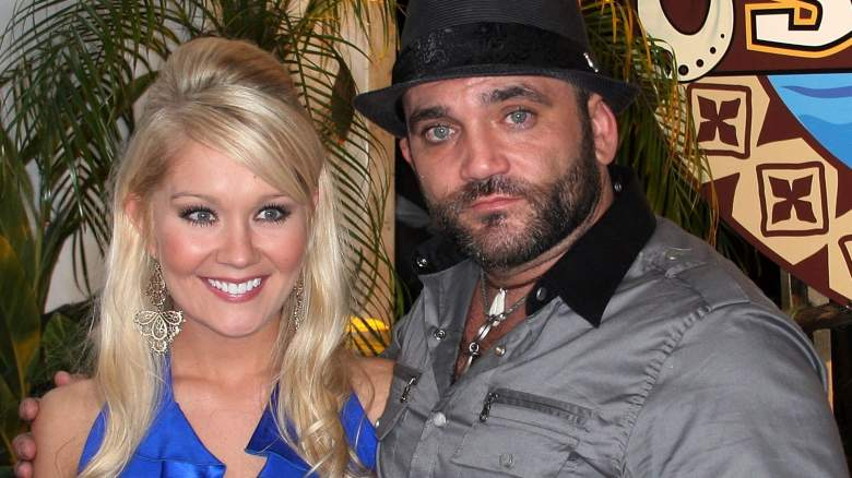 Survivor winner Natalie White (L) and runner up Russell Hantz