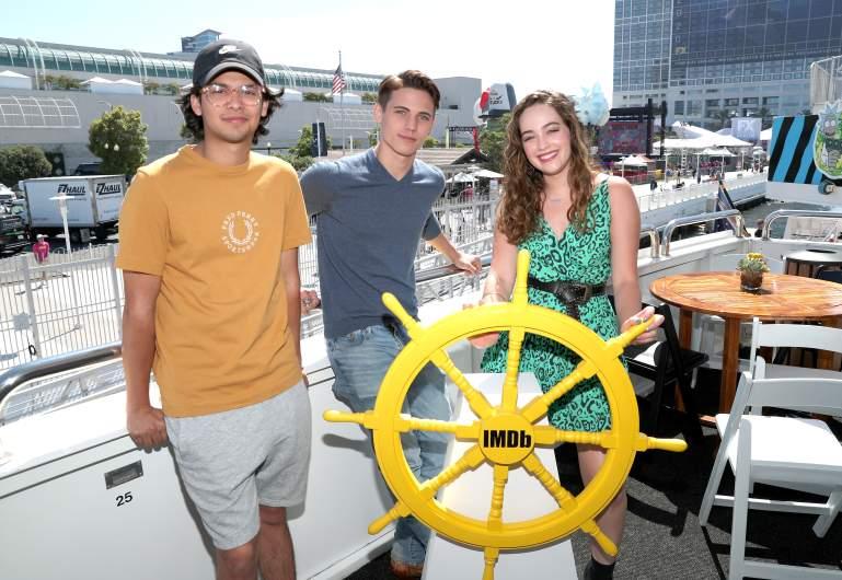 Tanner Buchanan, Xolo Maridueña and Mary Mouser