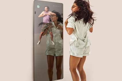 smart fitness mirror