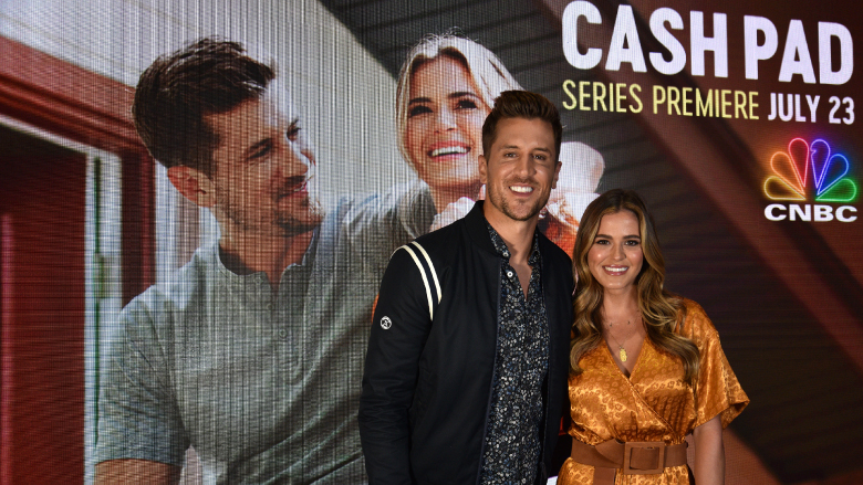 JoJo Fletcher and Jordan Rodgers hosted 'Cash Pad'