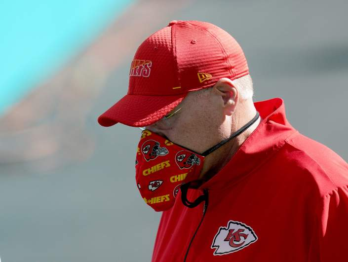 Andy Reid wearing a cloth face mask.