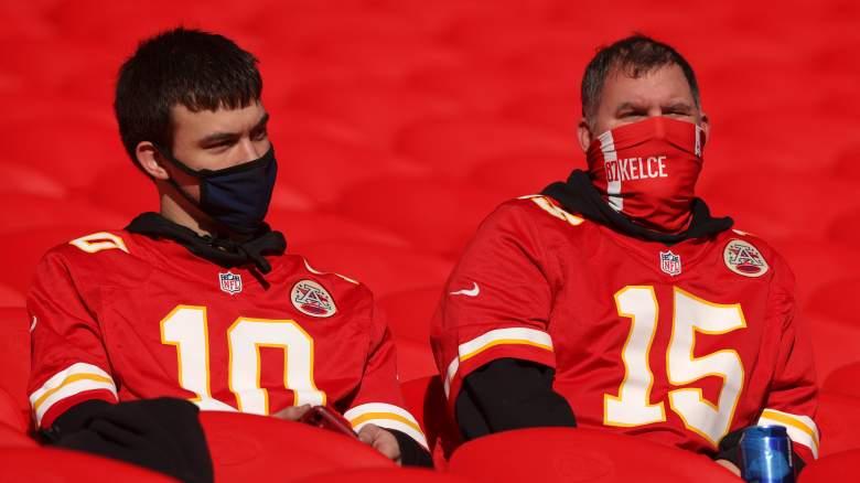 Chiefs fans wearing masks
