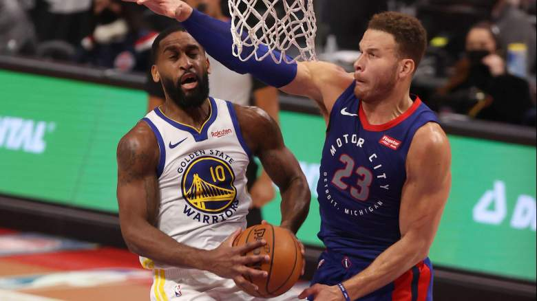 Blake Griffin, right, defends the Warriors' Brad Wanamaker