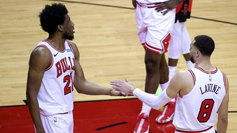 Thaddeus Young (left) and Zach LaVine of the Chicago Bulls