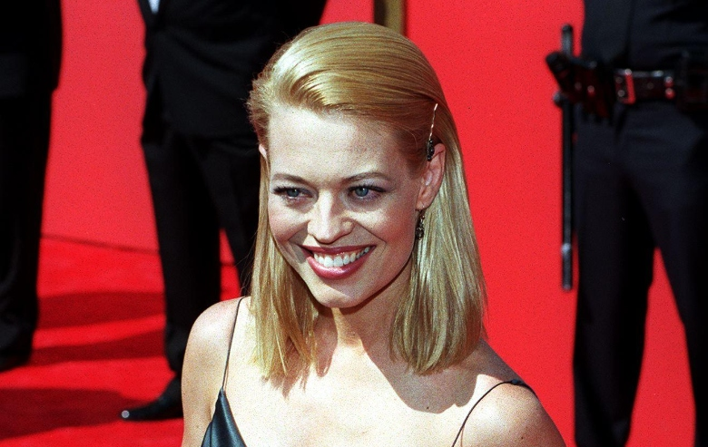 Jeri Ryan arrives at the 50th Annual Primetime Emmy Awards 13 September at the Shrine Auditorium in Los Angeles, CA.