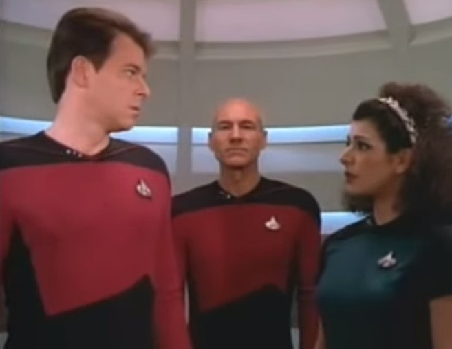 Jonathan Frakes as William Riker and Marina Sirtis as Deanna Troi in Star Trek The Next Generation