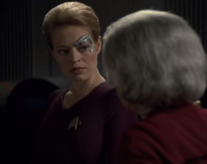 Jeri Ryan as Seven of Nine and Kate Mulgrew as Captain Kathryn Janeway on Star Trek Voyager