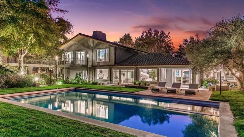 joe rogan los angeles california home sold