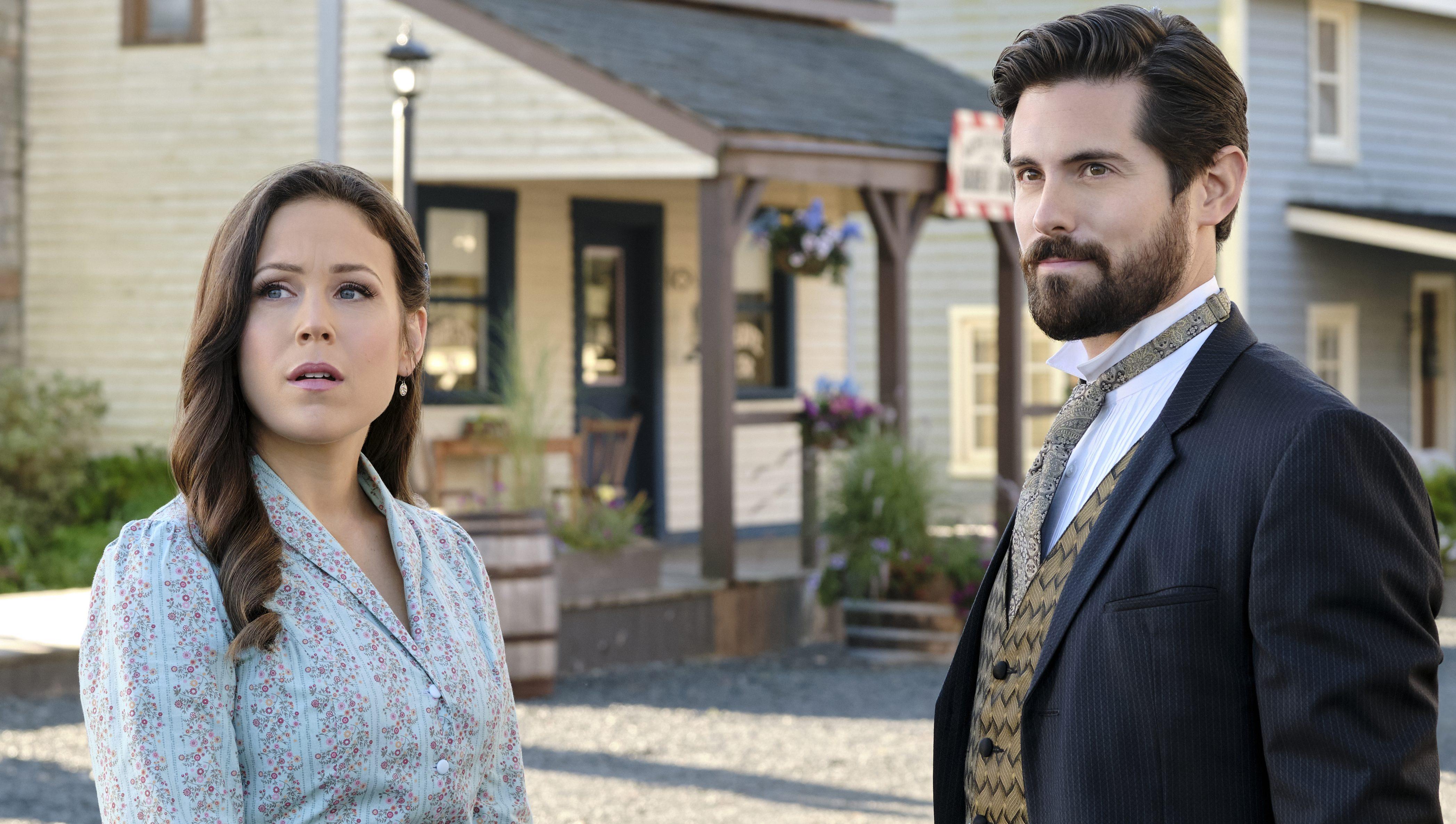 WATCH: New WCTH Sneak Peek Shows Tense Elizabeth & Lucas Moment