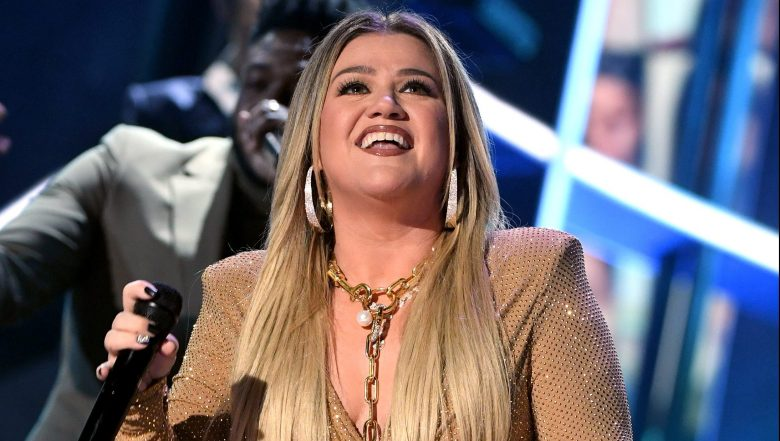 Kelly Clarkson has signaled on social media when she'll be back on The Voice.