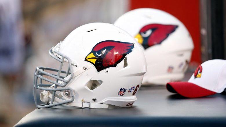 Cardinals sign 5 players