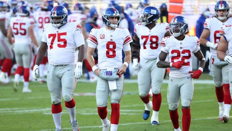 Ex-Giant Cam Fleming signs with Broncos
