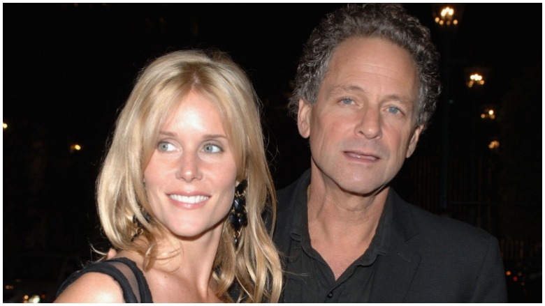 Lindsey Buckingham (R) and his wife Kristen