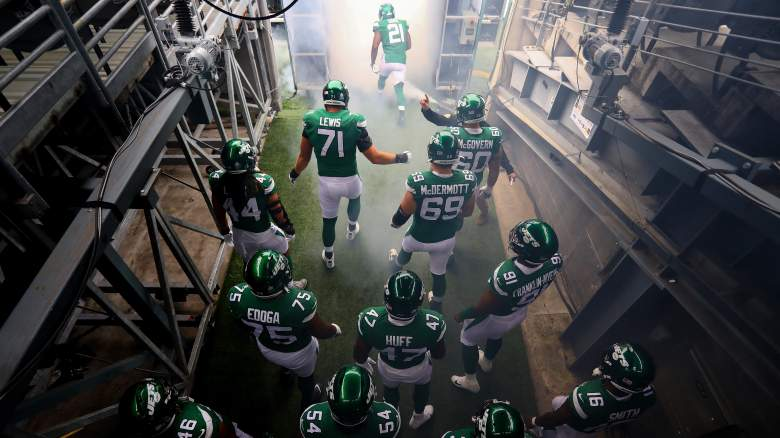 New York Jets exit the tunnel
