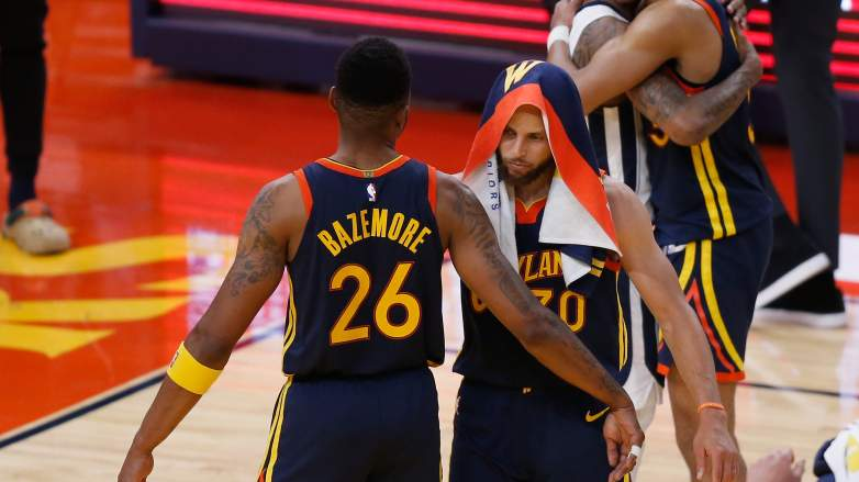 Kent-Bazemore-Steph-Curry