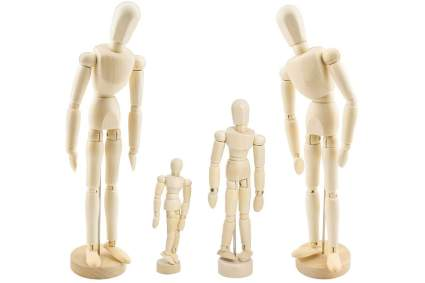 Family of wooden drawing manikins