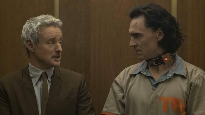 "Owen Wilson as Agent Mobius and Tom Hiddleston as Loki in the Disney Plus series ""Loki"""