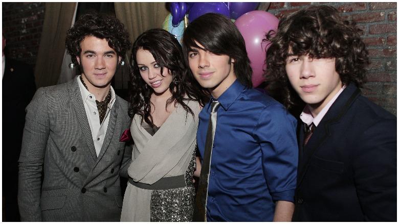 Nick Jonas & Miley Cyrus
