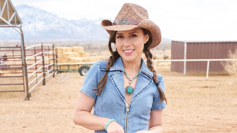 Katie Thurston in a cowboy hat.